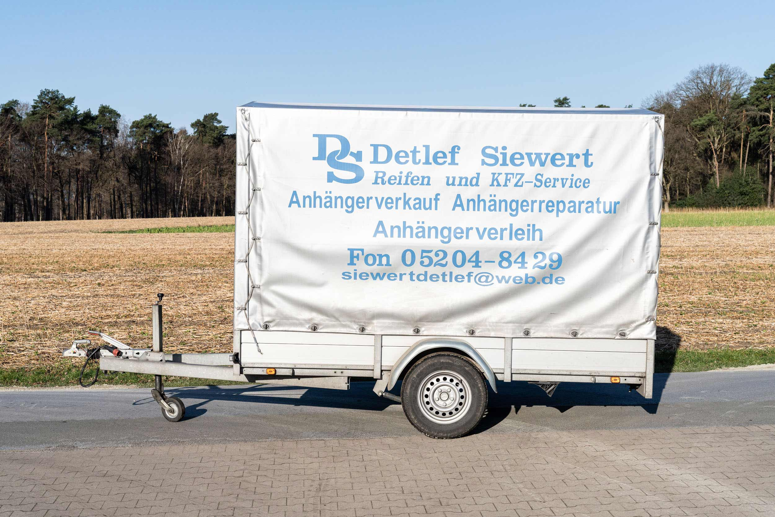 PKW-Anhaenger-Verleih-Siewert-1500kg-300x150x200